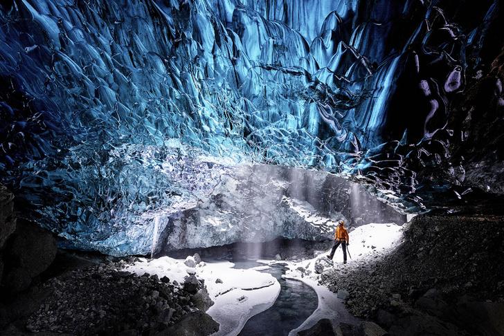 Фото №1 - Исландия: Сапфировая пещера и другие события месяца