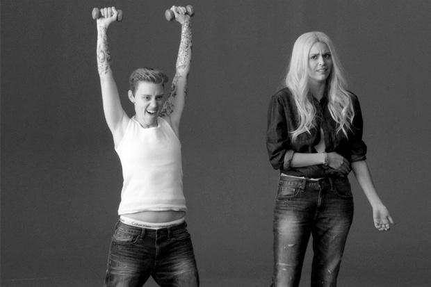 Фото №1 - Эту пародию на рекламу Calvin Klein с Бибером стоит посмотреть