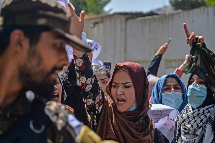 Фото №5 - Охота на ведьм: в Афганистане начались расправы над женщинами легкого поведения