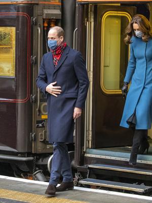 Фото №5 - Самый необычный тур Кембриджских: куда Кейт и Уильям отправились перед Рождеством