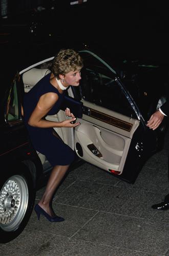 Фото №9 - За что принцесса Диана любила клатчи (не догадаетесь)