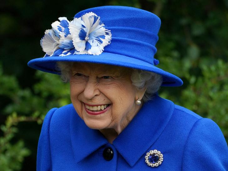 Фото №1 - 7 строгих правил, которые должен помнить каждый, кто лично встречается с Королевой
