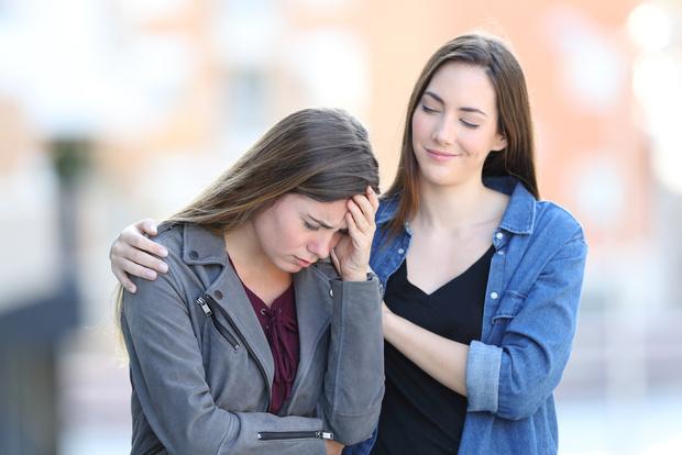 Фото №1 - Как друзья портят нашу жизнь и разрушают семьи: 6 типичных историй