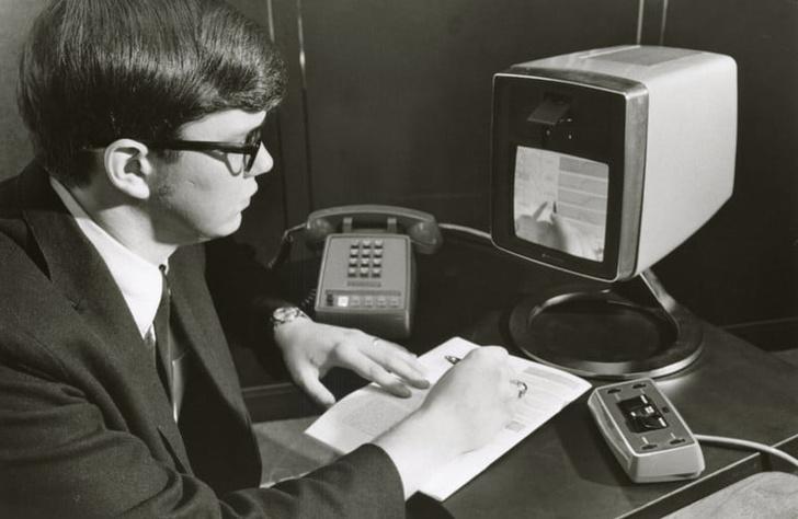 Фото №1 - 50 лет первому видеозвонку