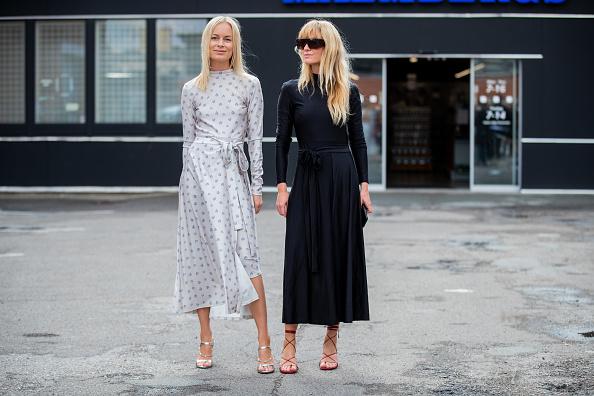 Фото №1 - Что купить: 16 демисезонных платьев, в которых круто провести осень