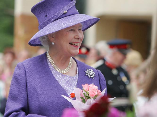 Фото №20 - Близко к сердцу: любимые броши Елизаветы II