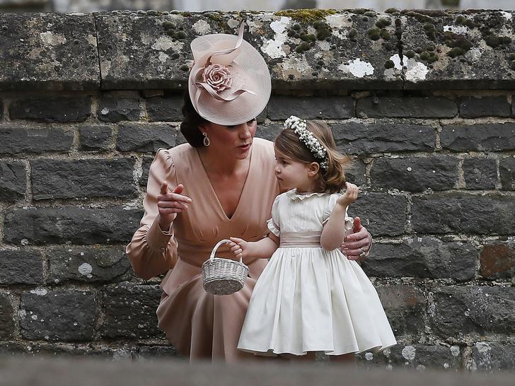 Фото №5 - Мамина дочка: 11 раз, когда Кейт и Шарлотта появлялись в парных образах