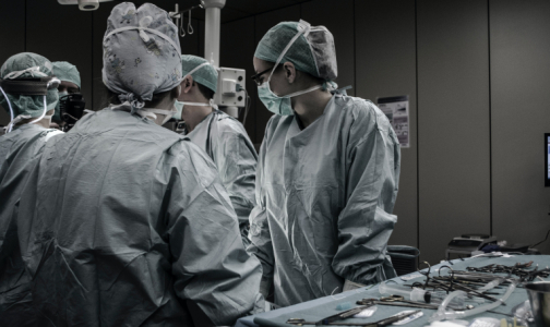 Фото №1 - В НИИ им. Джанелидзе умерла третья медсестра