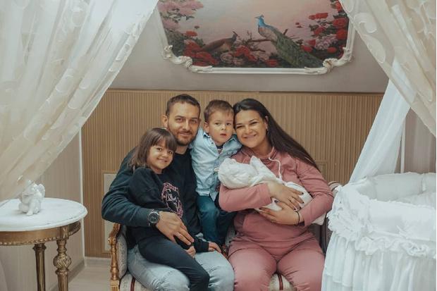 Виктория Райдос родила третьего ребенка