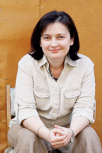 Светлана Кривцова – автор нескольких книг; одна из последних – «Как найти согласие с собой и миром» (Генезис, 2004).