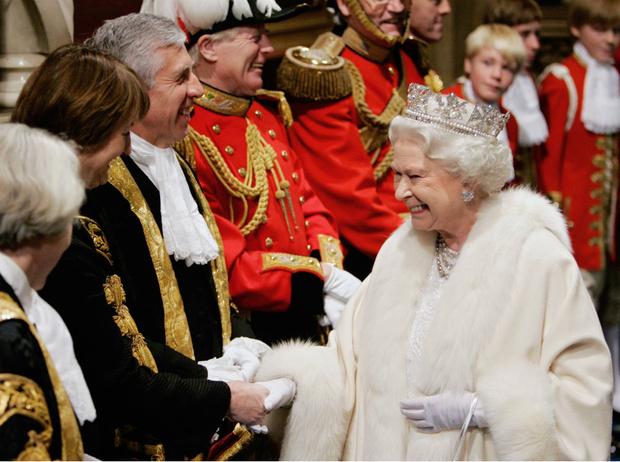 Фото №1 - Что могут короли: насколько велика власть Елизаветы II на самом деле