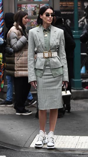 Фото №2 - На любой случай: с чем носить юбку-карандаш