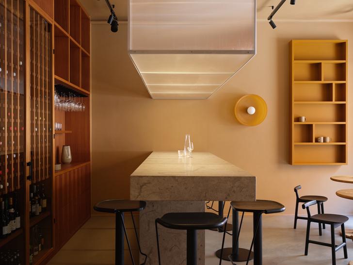 Фото №1 - Два в одном: офис-барпо проекту Note Design Studio