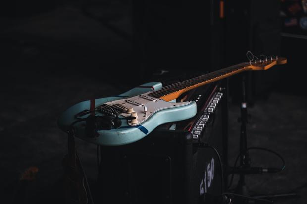 Фото №2 - Какой ты музыкальный инструмент по знаку зодиака 🎸