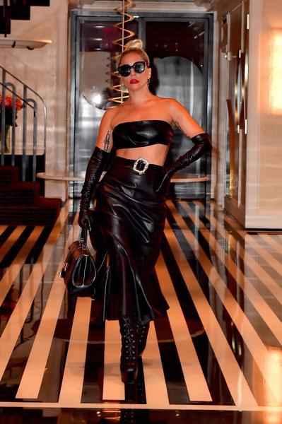 Фото №1 - Вся в коже: Леди Гага отказалась от образа гламурной девушки?