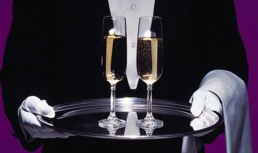 Фото №1 - Петербургские гастроэнтерологи назвали безопасную новогоднюю дозу алкоголя