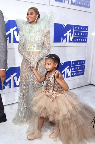 Фото №3 - «Мама, хочу!»: 11 самых избалованных детей знаменитостей