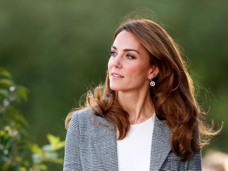 Фото №1 - Всегда безупречна: 10 лучших причесок герцогини Кейт на любой случай