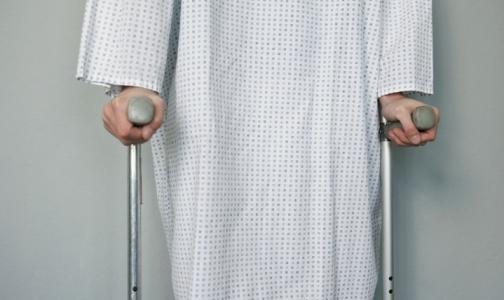 Фото №1 - Петербургские инвалиды на время остались без ортопедической обуви