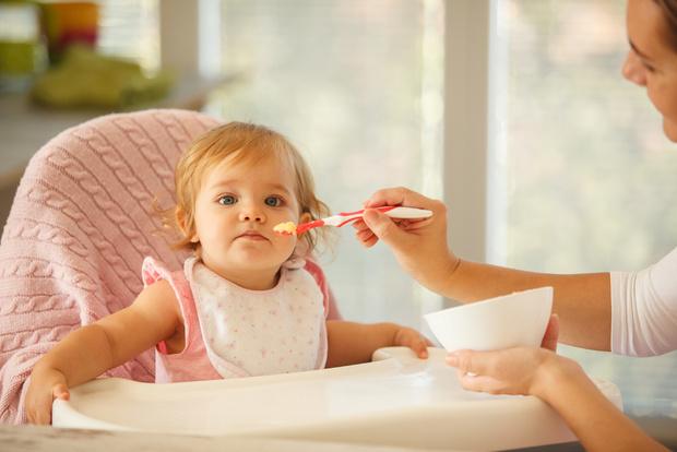 Фото №5 - Чем кормить младенца: дневник питания малыша от рождения до года