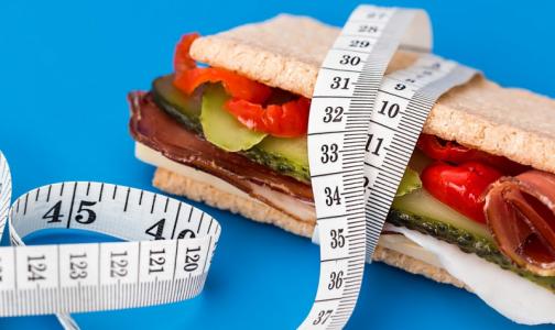 Фото №1 - Отказ от 300 калорий в день улучшит здоровье даже худым