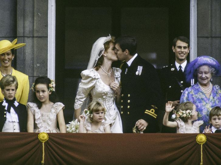 Фото №5 - Семейная вражда: почему Диана и Сара Фергюсон не ладили с младшим сыном Королевы