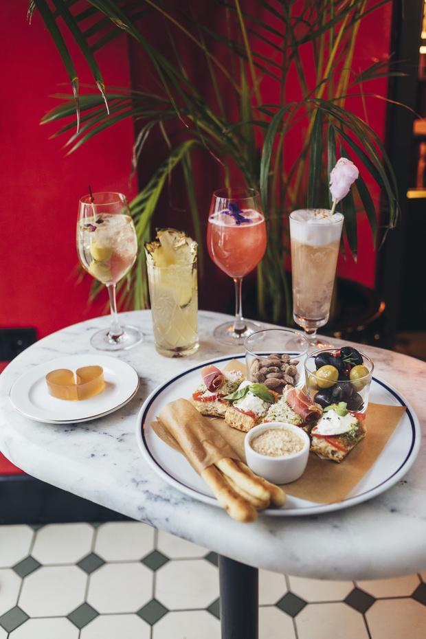 Фото №6 - Гид по ресторанам на 14 февраля: где бронировать столик, чтобы провести незабываемый вечер?