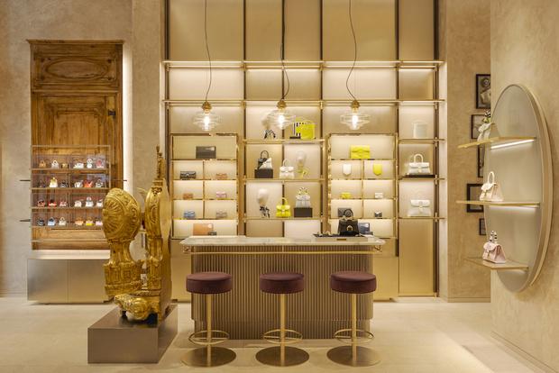Фото №2 - Новый бутик Delvaux в самом сердце Парижа