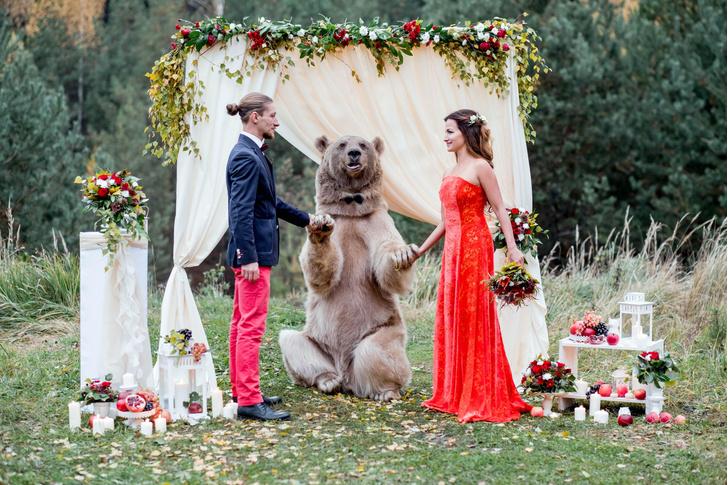 Фото №1 - Как ведут себя влюбленные россияне