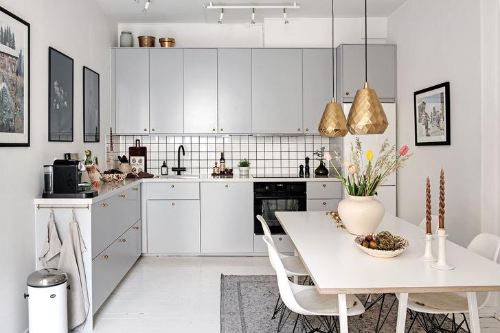 Фото №13 - Маленькая скандинавская квартира со спальней на антресоли