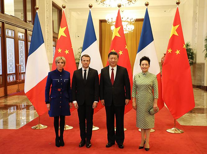 Фото №14 - Лучше, чем Мелания: 5 идеальных нарядов Брижит Макрон в Китае