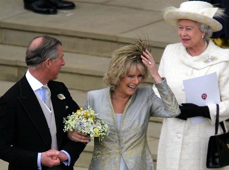 Фото №3 - Почему Королева не пришла на свадьбу принца Чарльза и Камиллы