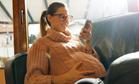 Ученые объяснили вред смартфонов и Wi-Fi для беременных