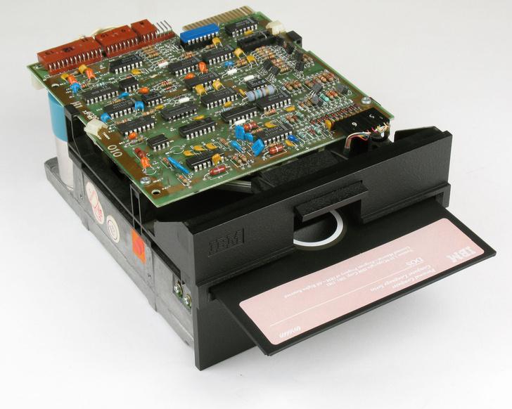 Фото №4 - «Первый массовый компьютер»: 40 лет IBM PC