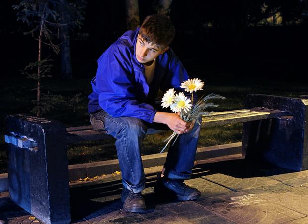 Фото №1 - Вопрос дня: Как отшить парня, который не унимается?