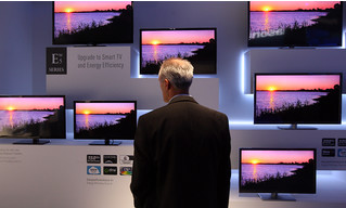 Умные телевизоры обвинили в том, что они следят за владельцами и передают их данные корпорациям