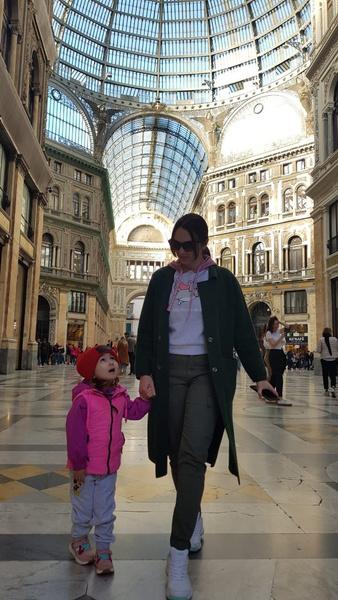 Фото №9 - «Мечтала быть милиционером, а теперь рисую»: как татарка Азалия нарушила семейную традицию и путешествует по свету