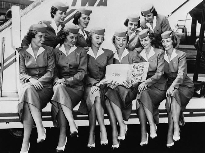 Фото №9 - Мода высокого полета: дизайнеры в поисках идеальной стюардессы