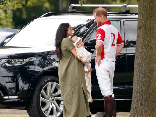 Фото №2 - Важное королевское правило, которому придется подчиняться Арчи Сассекскому (когда он вырастет)