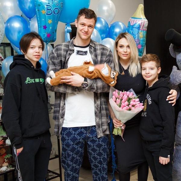 Фото №2 - Экс-супруга Григорьева-Апполонова поздравила с 29-летием мужа, к которому ушла от артиста