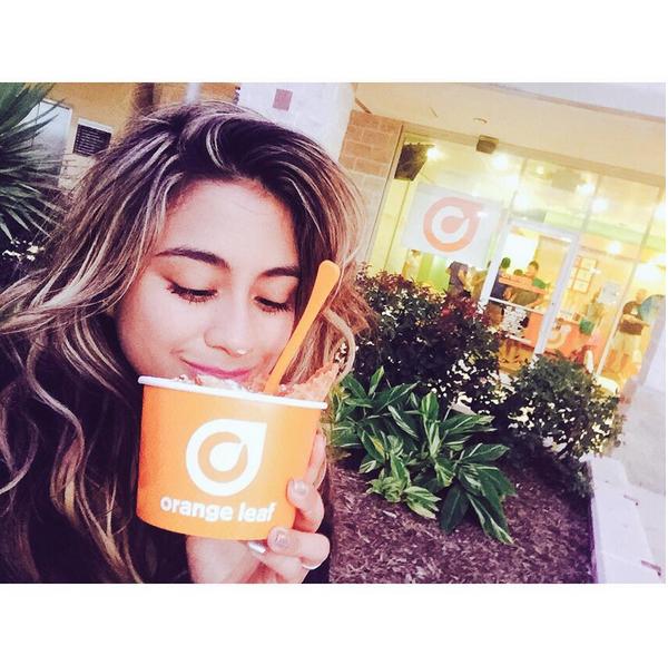 Фото №13 - Звездный Instagram: Знаменитости едят мороженку