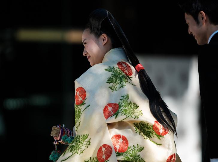 Фото №4 - В Японии стало на одну принцессу меньше (и на одну счастливую девушку больше)