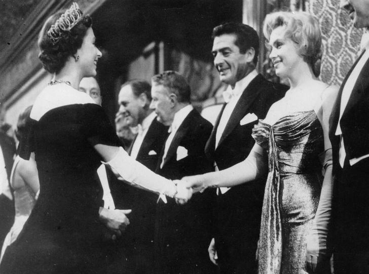 Фото №4 - Две королевы: как прошла единственная встреча Елизаветы и Мэрилин Монро