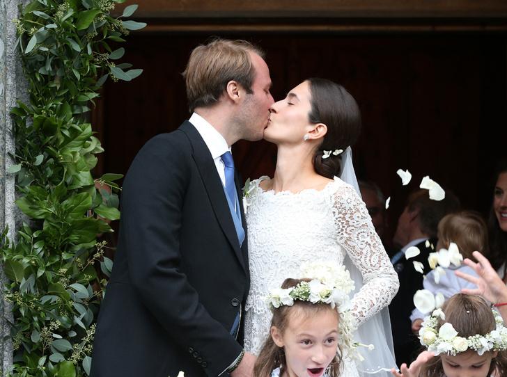 Фото №1 - Минус один принц: как прошла королевская свадьба в Швейцарии