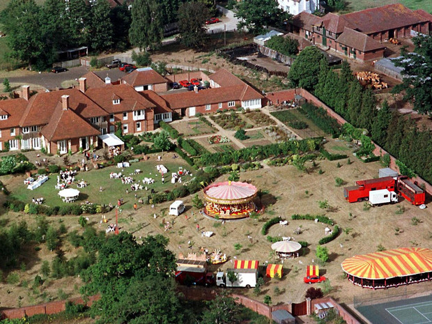 Фото №5 - Подарок Королевы любимому сыну: как выглядела резиденция Йоркских и почему ее пришлось снести