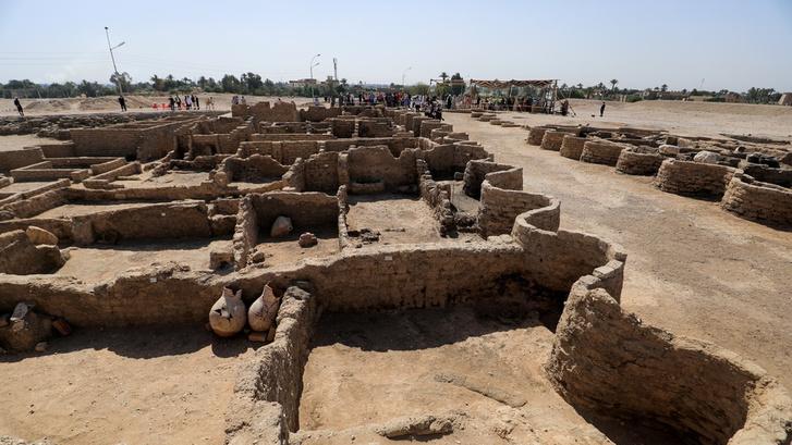 Фото №1 - В Египте обнаружен затерянный «золотой город»