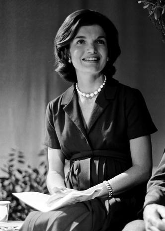 Фото №9 - Модный список Первой леди: любимые бренды Жаклин Кеннеди