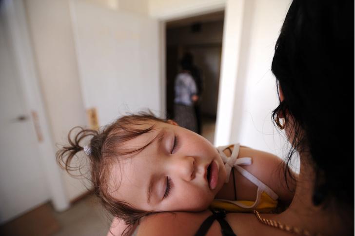 Фото №1 - Как настроение матери влияет на детский сон