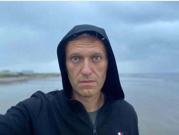 Фото №1 - Алексей Навальный экстренно госпитализирован с подозрением на отравление