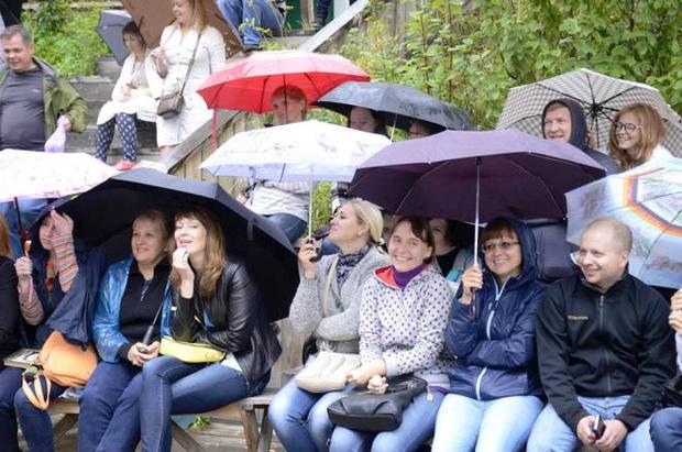 Фото №1 - «Лучший» в Кемерове: чудики Шукшина, частушки и дождь